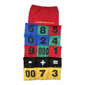 Ärtpåsar med tal och symboler för subtraktion och addition